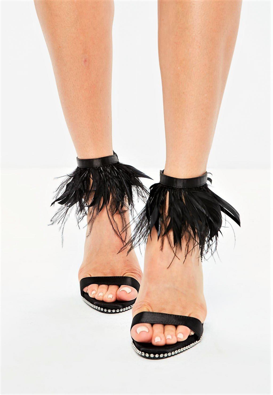 Черни сандали с пера ESTELLE